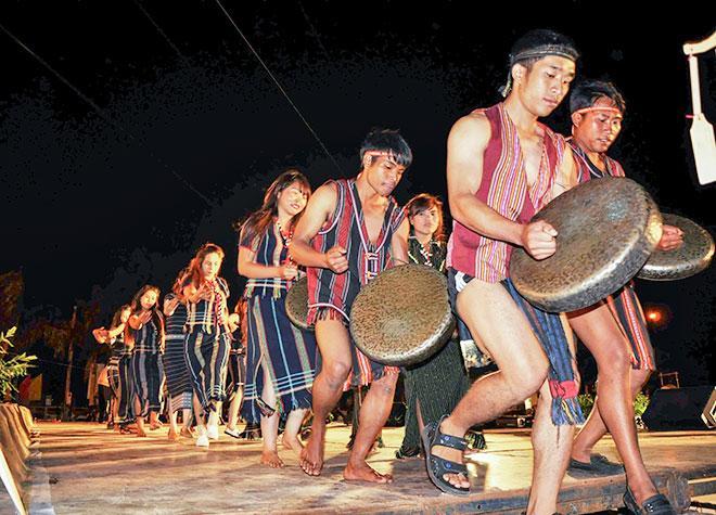 Không gian văn hóa cồng chiêng Tây Nguyên được UNESCO công nhận là Kiệt tác truyền khẩu và phi vật thể nhân loại.