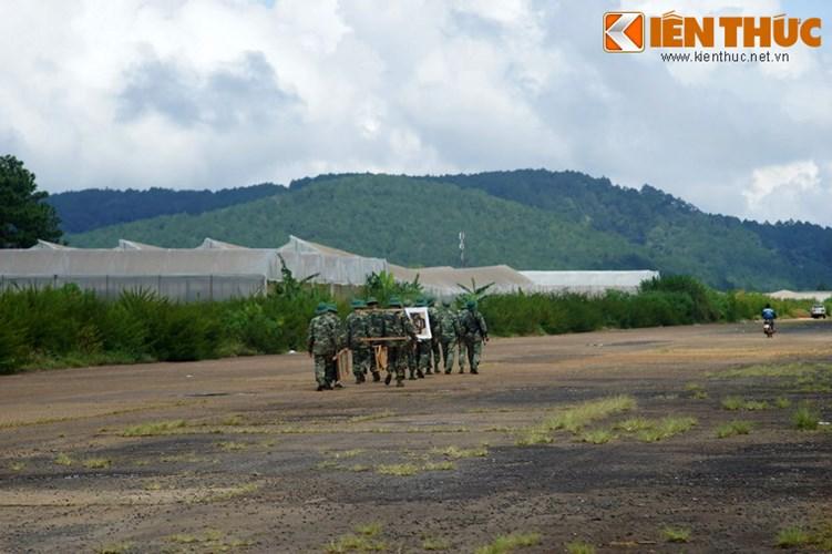 Sau năm 1975, sân bay Cam Ly trở thành sân bay của Học viện Lục quân, sau đó chuyển giao cho Cụm cảng hàng không miền Nam quản lý.