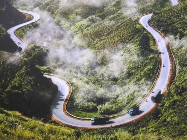 Đèo Phượng Hoàng được xem là chốn thiên đường nơi hạ giới. (Nguồn: youtube)