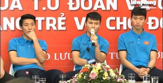 Đoàn Văn Hậu cùng Quang Hải, Tiến Dũng vừa có nhiều chia sẻ với độc giả trên báo Tiền Phong
