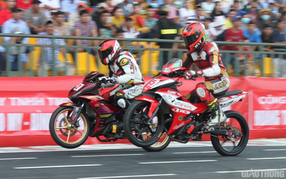 """Chiều 30/4, Cần Thơ diễn ra Giải đua xe mô tô toàn quốc, vòng 4 """"Cúp vô địch quốc gia năm 2019"""""""