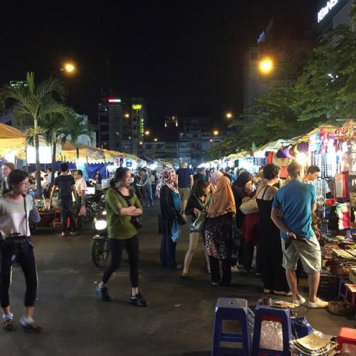 Cận cảnh chợ đêm Bến Thành. (Nguồn: congly.vn)