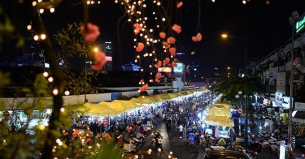 Chợ đêm Bến Thành nhìn từ trên cao. (Nguồn: dulichvn.org.vn)
