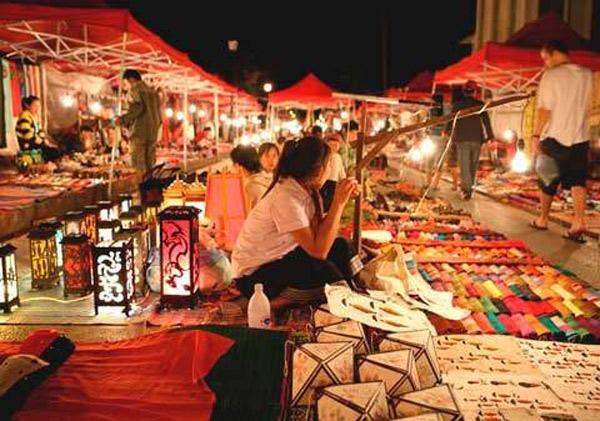 Chợ đêm Tây Đô mang đậm phong cách của người dân Nam Bộ. (Nguồn: congly.vn)