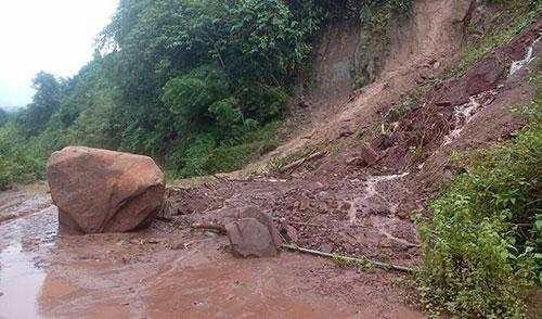 Mưa lớn gây sạt lở đất đá ở huyện Nậm Pồ, Điện Biên. Ảnh: Đ.B.