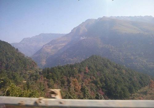 Núi Phặt Chỉ được bao phủ một màu xanh trù phú