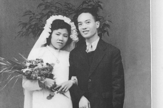 Ông bà Dương- Hiền hôm nay và ngày cưới cách đây 65 năm. Ảnh: Duy Chiến