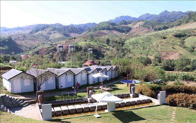 Các bungalow- phòng nghỉ thiết kế theo kiến trúc phương Tây đầy đủ tiện nghi tại khu du lịch Happy Land, ở bản Lùn, xã Mường Sang, huyện Mộc Châu, tỉnh Sơn La.