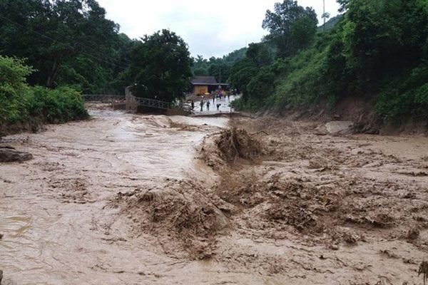 Nguy cơ cao xảy ra lũ quét và sạt lở đất, ngập lụt ở vùng trũng ở nhiều tỉnh vùng núi Bắc Bộ và Bắc Trung Bộ