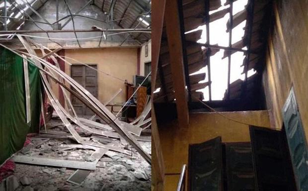 Ảnh mái nhà dân ở Mộc Châu bị hỏng do động đất.