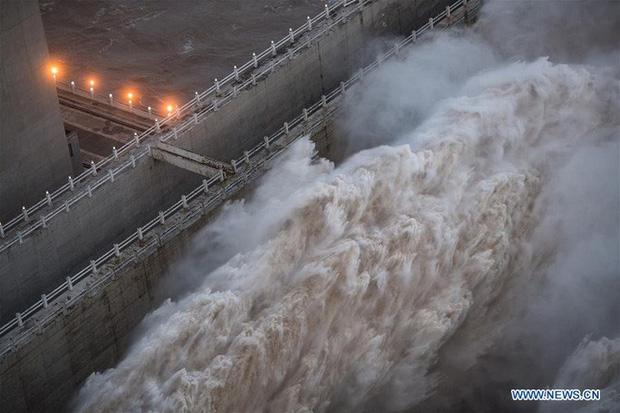 Dự báo lưu lượng nước chảy vào đập Tam Hiệp sẽ tiếp tục tăng lên 75.000 m3/giây trong ngày 20-8. Ảnh: News.cn