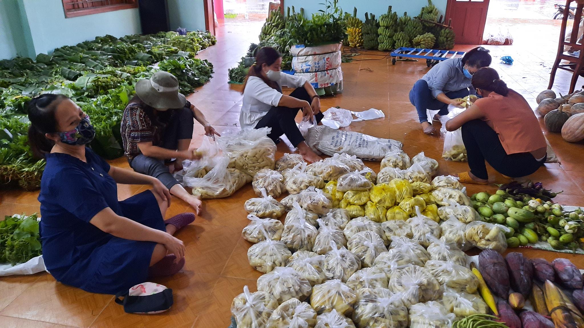 1 số hình ảnh khác được thầy giáo Nguyễn Trần Vỹ ghi lại.