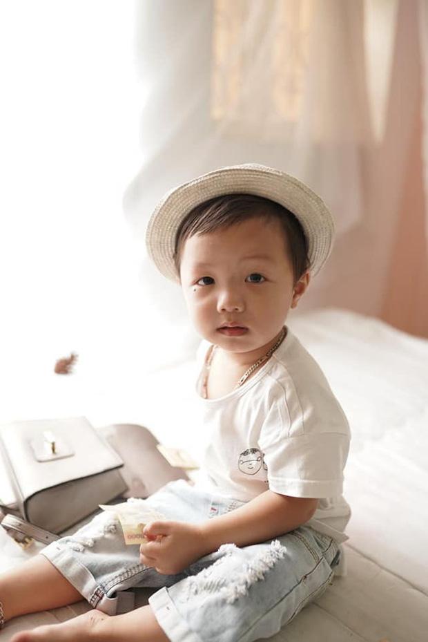 Cháu Nguyễn Gia Bảo.
