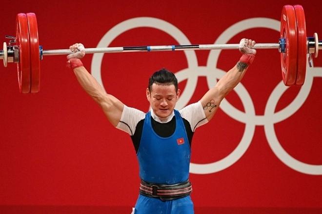 Thạch Kim Tuấn chấn thương vẫn thi đấu.