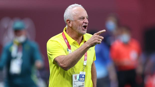 HLV Graham Arnold rất tự tin giành chiến thắng trước tuyển Việt Nam (Ảnh: Getty Images)