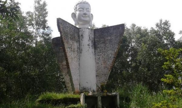 Tượng Phật dốc 47