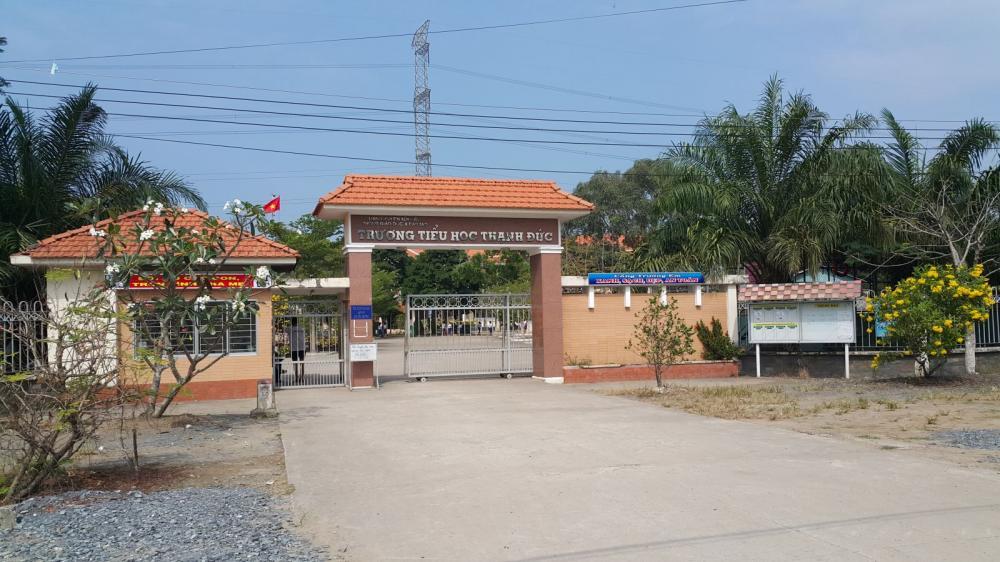 Trường Tiểu học Thạnh Đức, huyện Bến Lức  - nơi xảy ra vụ việc