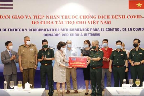 Lễ bàn giao và tiếp nhận thuốc chống dịch bệnh Covid-19 do Cuba tài trợ cho Việt Nam