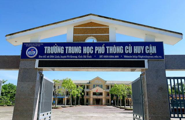 Trường THPT Cù Huy Cận.