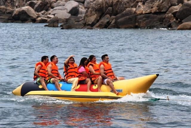 Du lịch biển là thế mạnh ở Ninh Thuận, thu hút đông đảo du khách tham quan