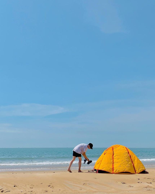Hồ Cốc là bãi biển nhỏ được du khách yêu thích bởi vẻ đẹp hoang sơ, bình lặng. Ảnh: Chinspeedy, trinhduy.hoang.