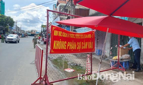 Một chốt kiểm soát cách ly phòng dịch trên địa bàn P.Trảng Dài, TP.Biên Hòa