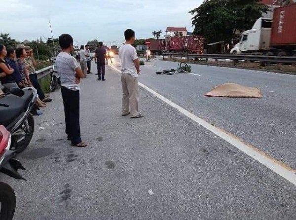 Có 5 người tử vong khi đứng xem tai nạn giao thông.