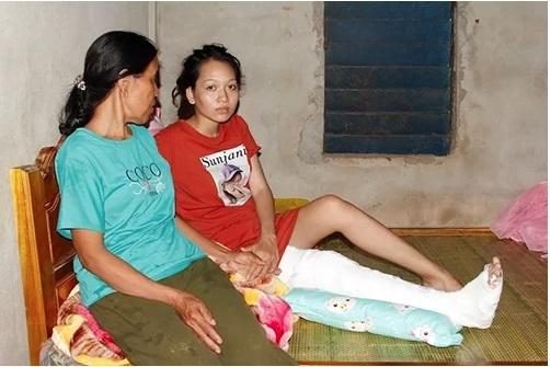 Chị Vân bị gãy chân đã được xuất viện (Ảnh: Quang Hà - Vnexpress)