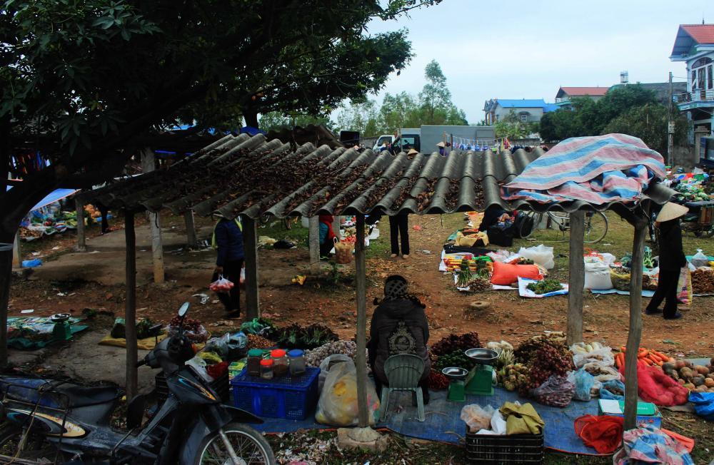 Chợ quê- Ảnh N.P.H