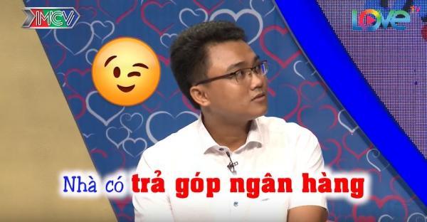 Những câu trả lời ngô nghê  của chàng trai khiến ai nấy đều phải phì cười. (Nguồn: Cắt từ video)