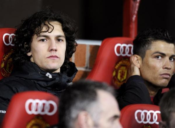 Possebon từng được Ronaldo giúp đỡ tại Old Trafford.