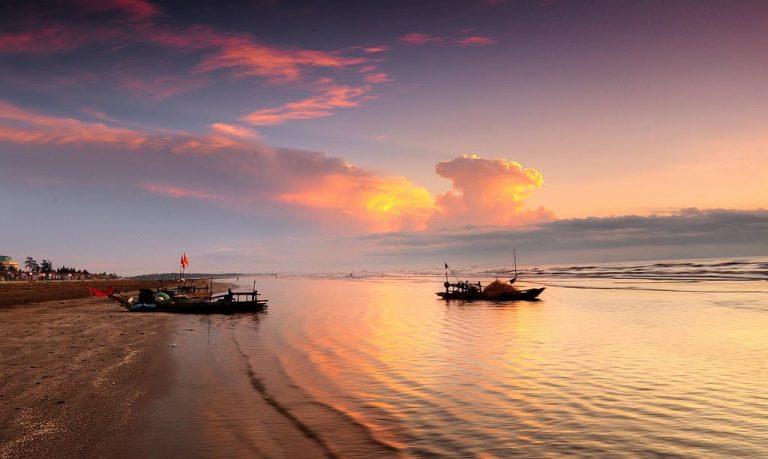 Biển Diễn Thành thời khắc hoàng hôn tuyệt đẹp (nguồn: vntrip.vn)