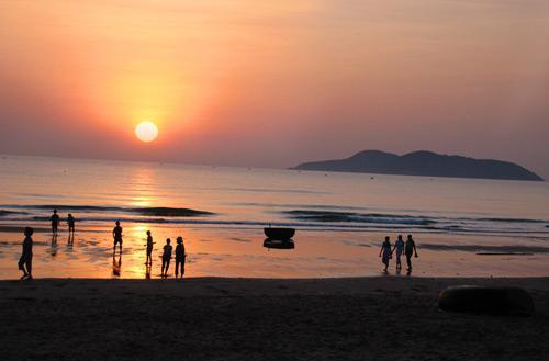 Biển Cửa Lò (nguồn: vntrip.vn)