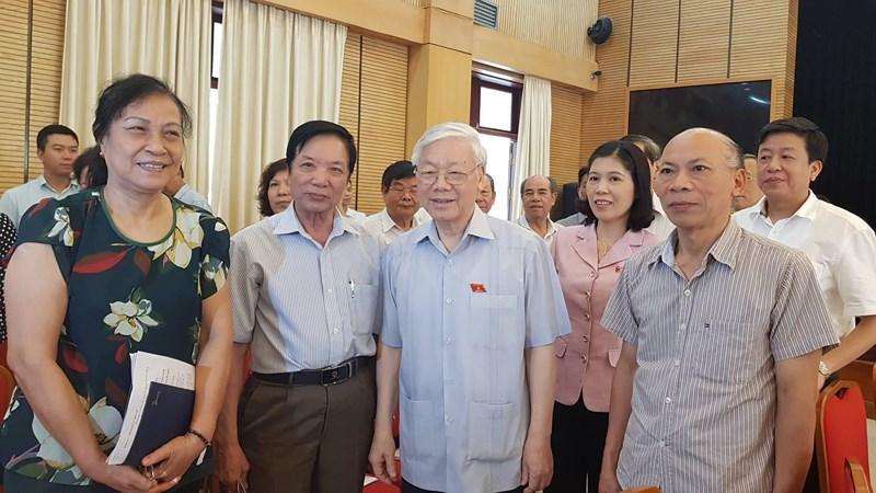 Tổng Bí thư Nguyễn Phú Trọng tiếp xúc cử tri hai quận Ba Đình và Hoàn Kiếm.