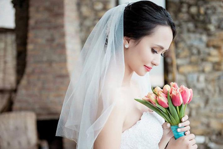 """Cô dâu Huyền Mi như xinh """"tiên giáng trần"""" trong bộ ảnh cưới cuộc đời."""