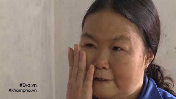 Chị Tuyết kể lại những sóng gió cuộc đời trong nước mắt.