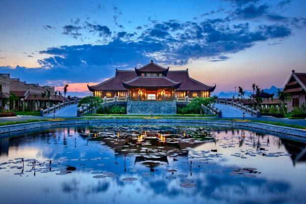 Resort Emeralda vừa hiện đại vừa truyền thống. (Nguồn: Triệu Trang)