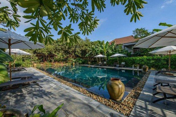 Không gian hồ bơi tuyệt đẹp của khu nghỉ dưỡng. (Nguồn: @nguyễn phương anh)