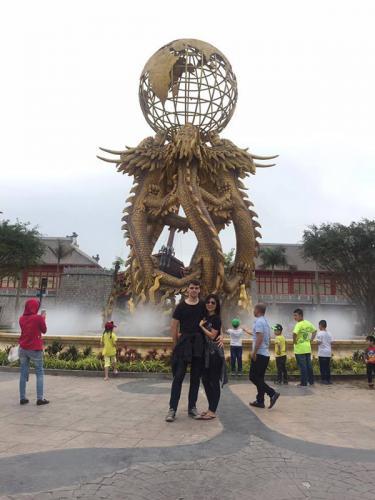 Sau thất bại trong chuyện tình yêu với chàng trai Việt, cô gái trẻ xác định sẽ yêu trai Tây