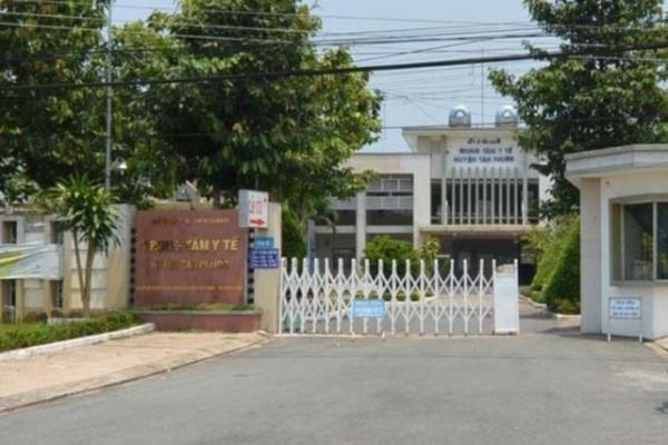 Trung tâm y tế huyện Tân Phước nơi xảy ra vụ việc