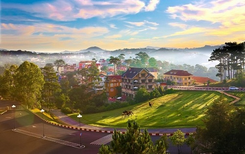 Đà Lạt là địa phận của tỉnh Lâm Đồng, nằm trên cao nguyên Lâm Viên, thuộc vùng Tây Nguyên, Việt Nam.