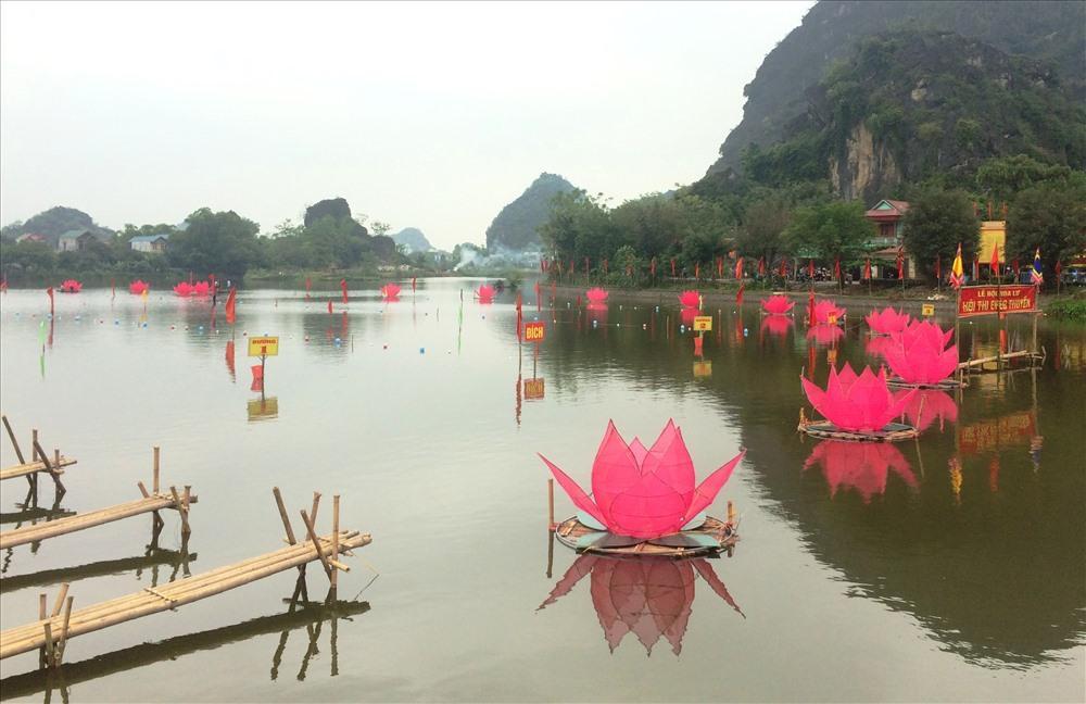 Dòng sông Sào Khê, nơi diễn ra lễ đua thuyền. Ảnh: NT