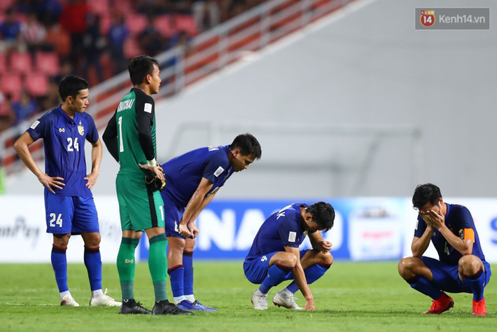 Thái Lan lần thứ hai dừng bước ở bán kết giải vô địch bóng đá Đông Nam Á.