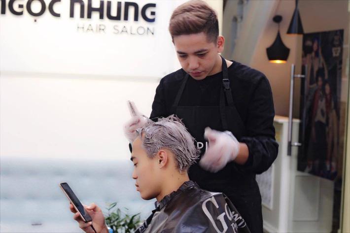Văn Toàn nhuộm tóc mong