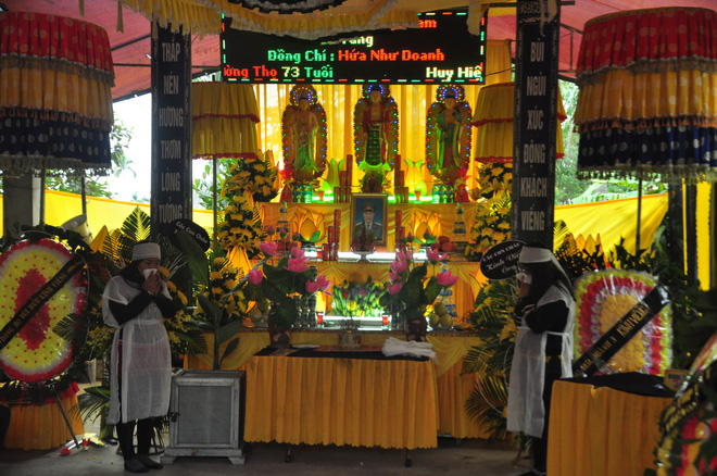 Chiều 22/1, gia đình tổ chức tang lễ cho ông Hứa Như Doanh.