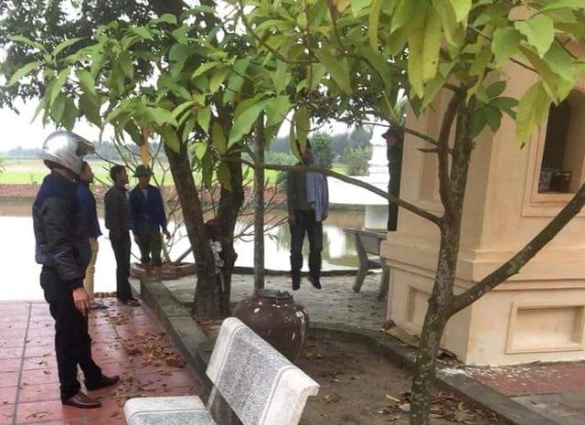 Khu vực tại sân chùa Tháp Phan, nơi phát hiện nam thanh niên treo cổ t.ự t.ử. Ảnh: Th.Ngô