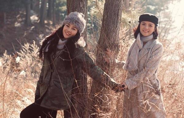 My sói Thu Quỳnh cùng đi cùng nữ diễn viên sinh năm 1988. Sau Quỳnh búp bê, cả 2 người đẹp rất thân thiết với nhau.