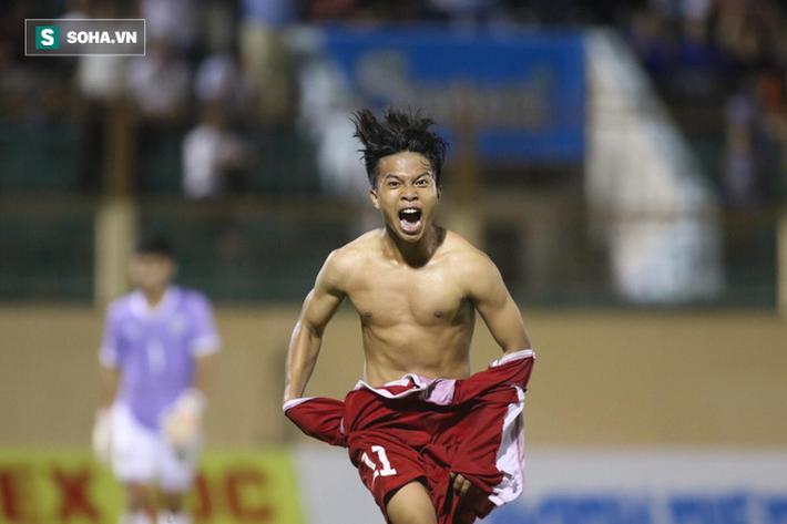 Xuân Tạo ghi bàn thắng duy nhất trong trận chung kết với U19 Thái Lan. Ảnh: Trương Phi.