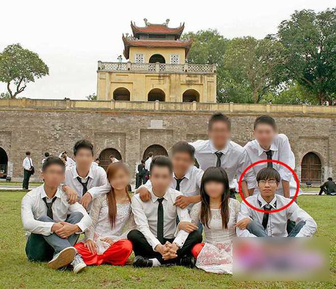 Sau bức ảnh chụp tại sân bay Nội Bài, Quang Thành trở nên kín tiếng trên MXH. Thay vào đó, anh chàng này tập trung vào việc học, ít chia sẻ về đời sống cá nhân