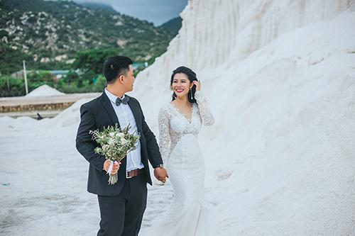"""Ra cánh đồng muối ở Ninh Thuận chụp ảnh cứ ngỡ như """"ngọn đồi tuyết phủ"""" siêu hot trong MV của Bảo Anh ở Tây Bắc"""